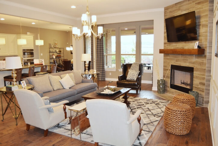 The stunning natural backdrop offered in many Sweetwater homes blends beautifully with interior details such as grand fireplace surrounds and rich wood flooring. Nature, after all, is the perfect neutral.